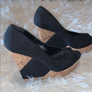Mossimo black platform wedge sandals